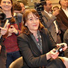 Lancement Livebox Play . Delphine Ernotte Cunci Directrice Exécutive Orange France #games #asphalt6, lancement le 7 février dans les boutiques orange