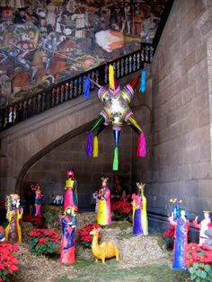 images of mexican decor | This photo shows Mexican Christmas decorations in Mexico City's ...