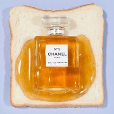 Find images and videos about food, chanel and perfume on We Heart It - the app to get lost in what you love. Design Set, Design Color, Food Design, Latin Food, Still Life Photography, Art Photography, Conceptual Photography, Parfum Chanel, Chanel Chanel