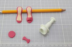 Shoes and handbag cake decorations - goodtoknow