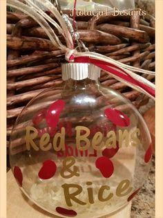 Holiday Time, Christmas Time, Christmas Bulbs, Christmas Crafts, Christmas Decorations, Christmas Stuff, Holiday Ideas, Christmas Ideas, Merry Christmas