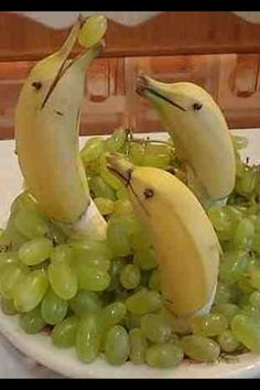 Banana Dolphins & grapes.....