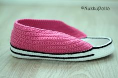 Slipper Socks, Slippers, Socks And Sandals, Vans Classic Slip On, Barbie, Converse, Crochet, Boots, Sneakers