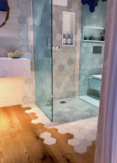 La réponse éco-responsable de Porcelanosa – Clem Around The Corner – Herzlich willkommen Bathroom Design Small, Bathroom Interior Design, Modern Bathroom, Interior Decorating, Home Design, Luxury Interior Design, Bathroom Toilet Decor, Marble Furniture, Bad Inspiration