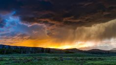 Yellowstone Parque Nacional Wyoming P Yellowstone Nationalpark, Week End Romantique, Week End En Famille, Week End En Amoureux, Landscape Photography Tips, Digital Photography, Beginner Photography, Tree Photography, Sunset Photography