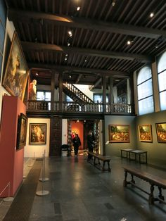 One of Antwerp's interesting and unique museums is the Rubens House, the former residence and workshop of Flemish artist Peter Paul Rubens. Follow this link to see more.  http://mikestravelguide.com/things-to-do-in-antwerp-visit-rubens-house-rubenshuis/