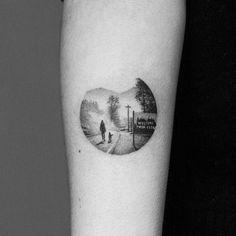 Tattoo artist Amanda Piejak minimalistic dotwork tattoo
