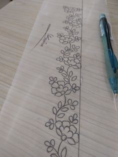 Hand Embroidery Design Patterns, Embroidery Flowers Pattern, Embroidery Motifs, Hand Embroidery Stitches, Diy Embroidery, Embroidery Fashion, Machine Embroidery, Broderie Simple, Floral Border