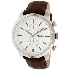 Arrive on time to work or an important evening event by keeping track of your schedule with this men's Townsman watch by Fossil. Equipped with a brown leather strap and stainless-steel case, this watch is designed for durability and classic style.