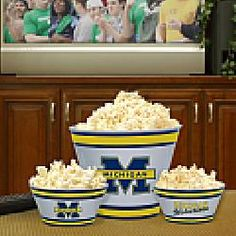 Memory Company Michigan Wolverines Melamine Serving Set