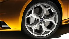The Focus ST features standard 18-inch painted aluminum wheels. Browse our Ford Focus Inventory at http://www.sonju.com/inventory/view/Make/Ford/Model/Focus/New/SortBy0/