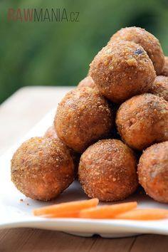 Jednoduché raw kuličky s mrkví a vlašskými oříšky. :) Raw Vegan, Baked Potato, Almond, Muffin, Baking, Breakfast, Health, Ethnic Recipes, Sweet
