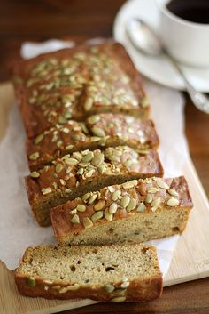 Sweet, moist and delicious quick bread made with pumpkin and zucchini -- perfect for breakfast, snacktime or dessert. Pumpkin Recipes, Fall Recipes, Scones, Pumpkin Zucchini Bread, Pan Rapido, Dessert Bread, Sweet Bread, Bread Baking, Bagels