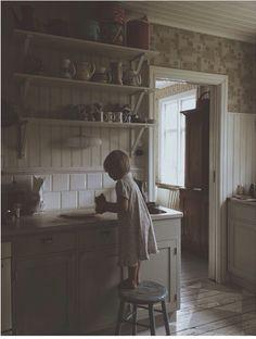 Happiness is Homemade Plain English Kitchen, Swedish Kitchen, Scandinavian Kitchen, Old Kitchen, Rustic Kitchen, Vintage Kitchen, Victorian Kitchen, Handmade Kitchens, Kitchen Stories