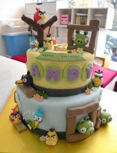 Angry Birds cake! #cake #angrybirds