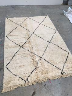 Beni Ourain 280 x 190 cm /