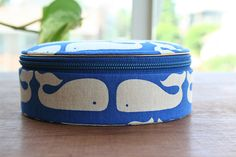 i wish this flickr account user gave the source of this super-cute whale doo-dad box