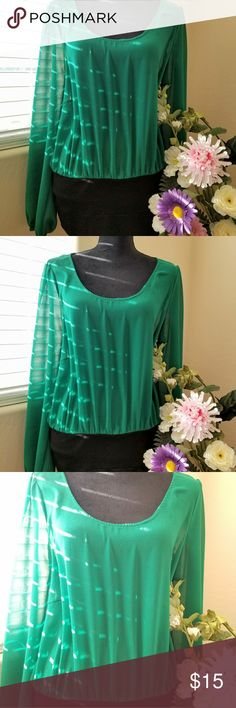•● Green dress ●• EUC. Re-posh. As it was too big for me. Very cute emerald green top and black bottom. Forever 21 Dresses Long Sleeve