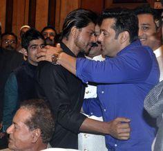 Salman Khan and Shah Rukh Khan hug each other at MLA Baba Siddique's annual Iftaar party.