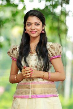 Hindi Actress, Malayalam Actress, Bollywood Actress, Arab Girls Hijab, Girl Hijab, Tamil Girls, Girls Blouse, Half Saree, Beautiful Indian Actress