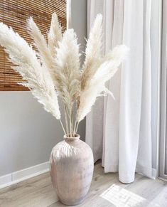 Large Snow White Pampas Grass (6 Pieces) - 3 Stems / Extra Large