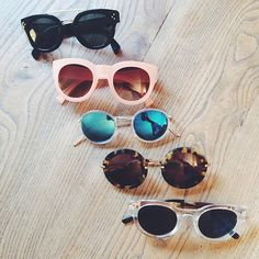 Bij de keuze van een bril let je op de kleur en het montuur. Zorg dat die mooi in harmonie is met je eigen kleurtype en met jouw gelaatsvorm.