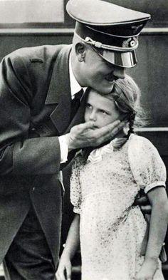 Хельга Геббельс и Гитлер