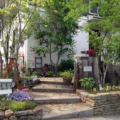 Best Interior Home Design Trends For 2020 - Interior Design Ideas Small Gardens, Outdoor Gardens, Landscape Design, Garden Design, Small Outdoor Spaces, Garden Entrance, Garden Cafe, Natural Garden, Garden Styles
