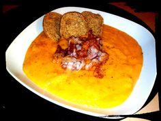 vellutata di carote e patate con zenzero e pancetta croccante