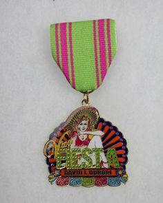 Artist David L. Durbin created this individual medal to be traded at various Fiesta events.Award: Third place, individuals Photo: JUANITO M GARZA, By Juanito Garza, San Antonio Express-News / San Antonio Express-News