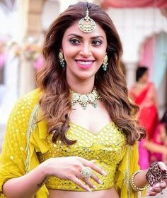 """Anushka Ranjan is an Indian actress (born 24 July 1995). She is the daughter of Shashi Ranjan and Anu Ranjan and famous for the model of Manish Malhotra.  Anushka Ranjan Biography  She was Brand Ambassador for the """"Varuna D'Jani"""" luxury jewelry brand Her father's name is Shashi Ranjan and her mother's name is …  Anushka Ranjan Biography, Wiki, Height, Boyfriend and More Read More »"""
