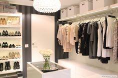 walk in wardrobe/closet