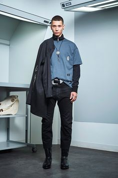 Siki Im presented its Fall/Winter 2017 collection during New York Fashion Week Men's. Winter 2017, Fall Winter, Sustainable Looks, Urban Fashion, Mens Fashion, Student Fashion, Winter Collection, New York Fashion, Fashion Show