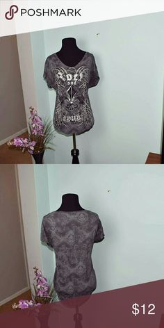 Rock & Republic Grey Top In excellent condition. Very well made. Rock & Republic Tops Tees - Short Sleeve