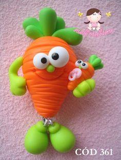 Molde de cenoura  Ideal para ímãs, chaveiros e outros  Contém cenoura lisa, folhas, mãos, pés e dois formatos de olhos zoiudinhos  Não acompanha acessórios como a mini cenoura  Veja outras fotos R$ 16,80