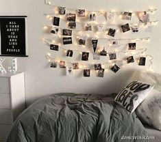 Cute dorm room ideas that you need to copy! These cool dorm room ideas are perfect for decorating your college dorm room. You will have the best dorm room on campus! Dorm Room Pictures, Bedroom Decor Pictures, Bedroom Ideas, Bedroom Themes, Bedroom Designs, Dorm Room Designs, Cute Dorm Rooms, College Dorm Rooms, Dorm Room Walls