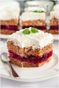Ciasto z galaretką (Jaffa Cake) - I Love Bake Cake Recipes, Dessert Recipes, German Desserts, Jaffa Cake, Good Food, Yummy Food, Sweets Cake, Polish Recipes, Food Cakes