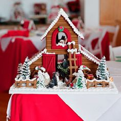 12 Cute Country Takes on Gingerbread Houses