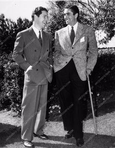 photo candid Tyrone Power Kenny Baker 2328-14