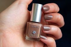 Vernis à ongles Chocolat Chaud N°72 #Avril #nails #nailpolish #brown #marron #7free #madeinfrance #maquillage #makeup #vernis #ongles http://www.avril-beaute.fr/ongles/369-vernis-a-ongles-figue-nacre-n15-3662217003215.html