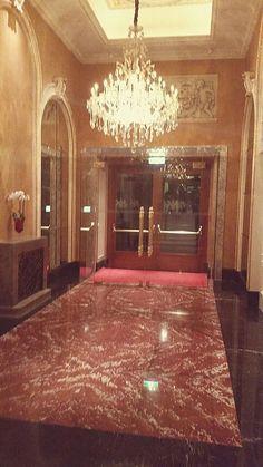 classy hotel foyer retrieved it's splendor Hotel Foyer, Sparkling Drinks, Stone Flooring, How To Apply, Classy, Home Decor, Decoration Home, Chic, Room Decor