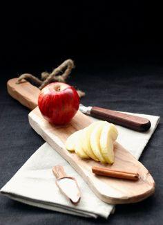 an apple a day Potluck Dinner Party, Apple Usa, Daisy Girl, Organic Fruit, Apple Slices, Apple Cake, Taste Buds, Pears, Sweet