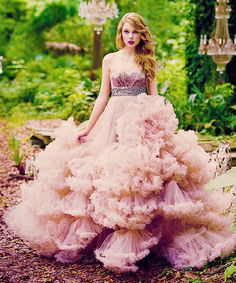 im wonderstruck, blushing all the way home <3 taylor swift