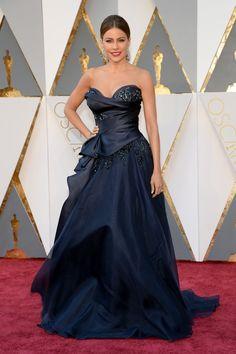 Pin for Later: Seht alle Stars auf dem roten Teppich der Oscars Sofia Vergara in Marchesa