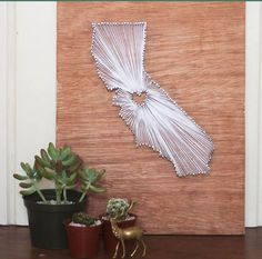 Cool DIY Wall Art Ideas for Teens to Make | DIY String Art Tutorial by DIY Ready at http://diyready.com/27-easy-diy-projects-for-teens-who-love-to-craft/