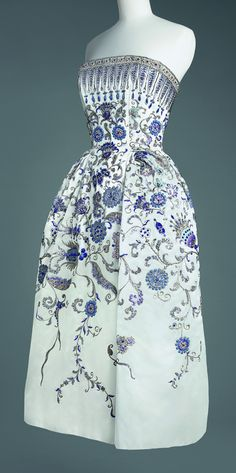 ~Christian Dior  Fall 1952, Palmyre evening gown~