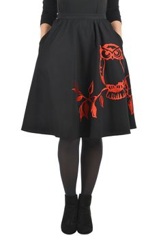 Our cotton poplin skirt in a buoyant A-line silhouette is embellished with a contrast tone owl for whimsical fun.