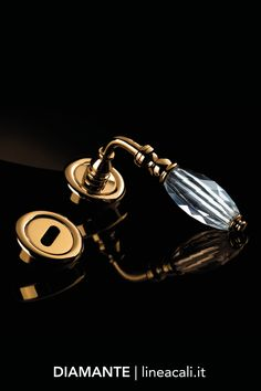 Diamante  | A great classic, clearly Made in Italy, with a discreet elegance, acquires a second youth thanks to the precious hand grip made entirely of Swarovski® crystal - - - Un grande classico del Made in Italy dall'eleganza discreta acquisisce una seconda giovinezza grazie alla preziosa impugnatura realizzata interamente in cristallo Swarovski®.  #handles #doorhandle #doorhandles #lineacali #maniglie #round #crystal #swarovski #luxury #brass #klamki #ручки #manillas #klinken