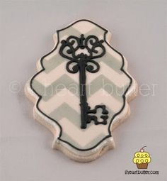 New home skeleton key decorated sugar cookies from I Heart Butter