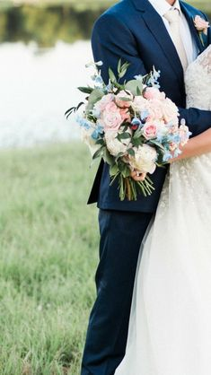 Love this color combination (though more blush and blue). #weddingflowers